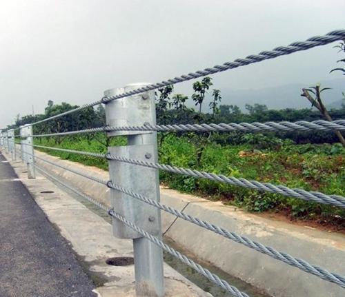 缆索护栏:护栏网验收必须检测的三个项目